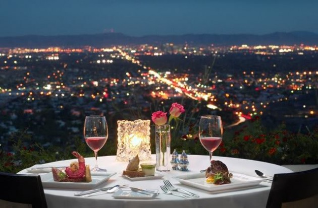 How to prepare a round dining table for a romantic dinner How to Prepare a Dining Table for a Romantic Dinner How to Prepare a Dining Table for a Romantic Dinner 1210 e1417090606569