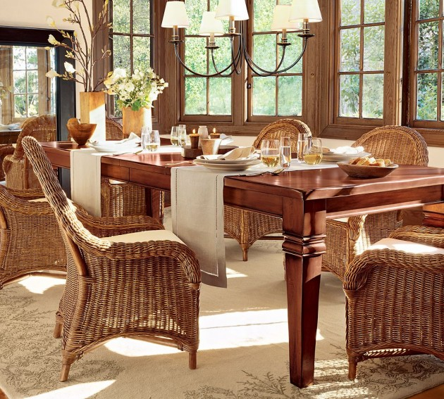 How to decorate a classic round dining table