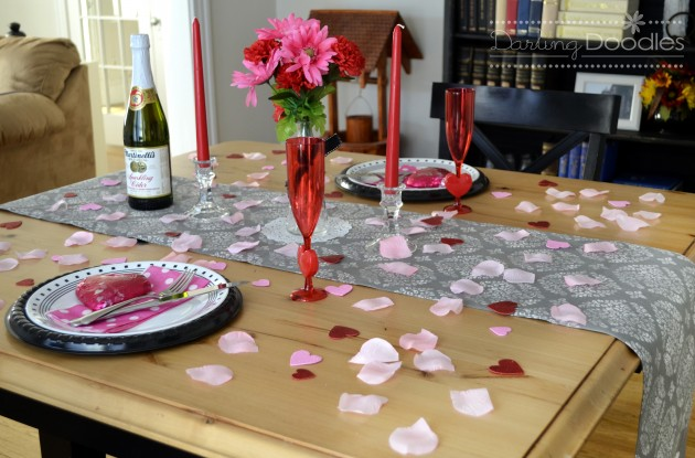 How to Prepare a Dining Table for a Romantic Dinner How to Prepare a Dining Table for a Romantic Dinner 910 e1417090515100