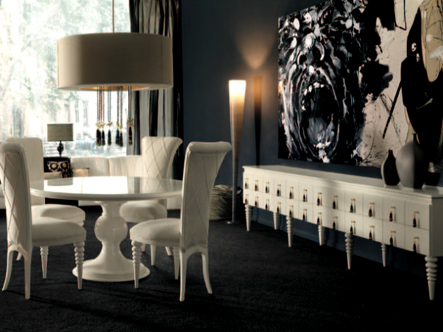 How to Decorate Your Dining Room with a Round Dining Table