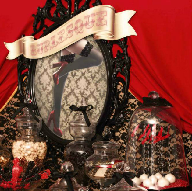 The perfect home furnishing for a burlesque inspiration house The perfect home furnishing for a burlesque inspiration house lolly table   side view21