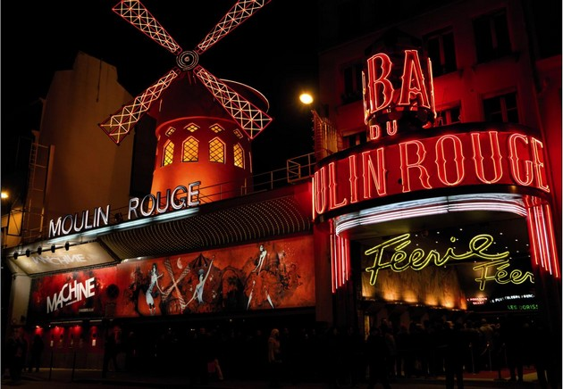 How to Decorate your Home for a Moulin Rouge Party How to Decorate your Home for a Moulin Rouge Party capa