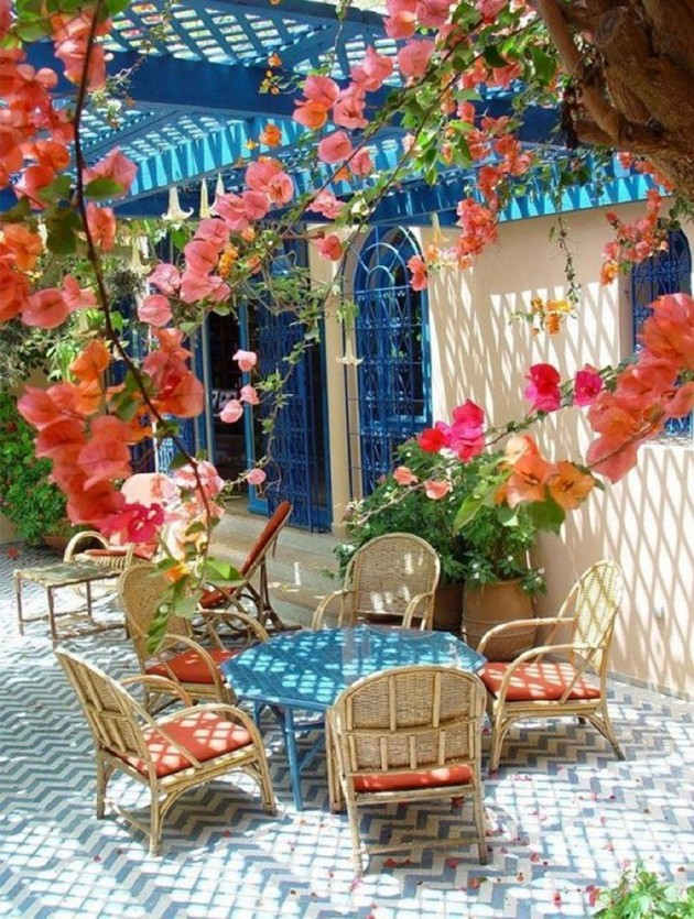 The Outdoor Living Room: Stylish Ideas for Porches the outdoor living room: stylish ideas for porches The Outdoor Living Room: Stylish Ideas for Porches Room Decor Ideas Room Ideas Room Design Outdoor Summer Living Room Porches Summer Living Room 16