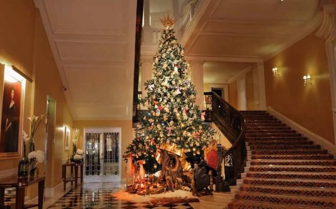 10 Celebrities' Christmas Trees Luxury Decorations