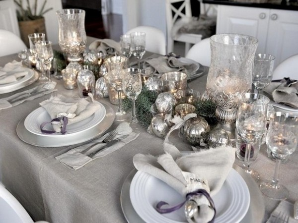 New Year's Eve Party Ideas for Home: Get a luxury Table Setting