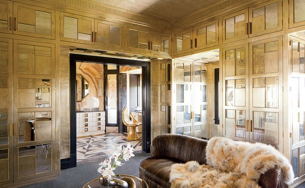 Be Inspired by These Fabulous Metallic Rooms Decor Fabulous Metallic Rooms Decor Be Inspired by These Fabulous Metallic Rooms Decor Room Decor Ideas Be Inspired by Fabulous Metallic Room Design Room Decoration Luxury Interior Design Kelly Wearstler e1452162427934