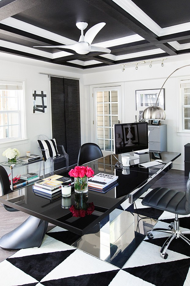Bold Home Offices to Inspire your Creativity Bold Home Offices to Inspire your Creativity Bold Home Offices to Inspire your Creativity Room Decor Ideas Bold Home Offices to Inspire your Creativity Home Office Design Office Design Luxury Interior Design 8