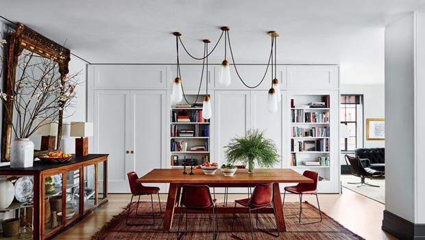 Beautiful Celebrity Dining Rooms to Inspire You celebrity dining rooms Beautiful Celebrity Dining Rooms to Inspire You Room Decor Ideas Beautiful Celebrity Dining Rooms to Inspire You Naomi Watts and Liev Shreiber Dining Room