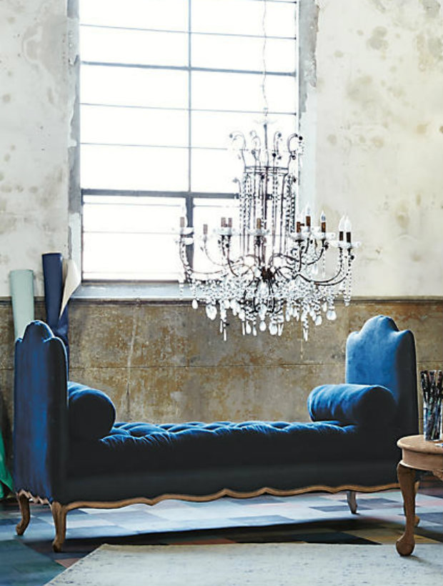 The Vidas chic daybeds design screams French romance.