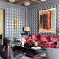 Living Rooms of Top Interior Designers Get Into the Living Rooms of Top Interior Designers Room Decor Ideas Get Into the Living Rooms of Top Interior Designers Luxury Interior Design Beautiful Living Rooms Kelly Wearstler 1 120x120