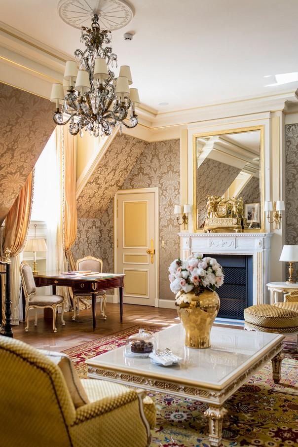Hotel design get inside the new ritz paris room decor ideas for Boutique hotel ritz