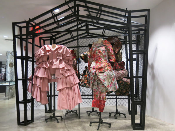 Luxury Stores to Inspire your Home Interiors luxury stores Luxury Stores to Inspire your Home Interiors Room Decor Ideas Luxury Stores to Inspire your Home Interiors Luxury Interior Design DOVER STREET MARKET NEW YORK CITY e1475246060635