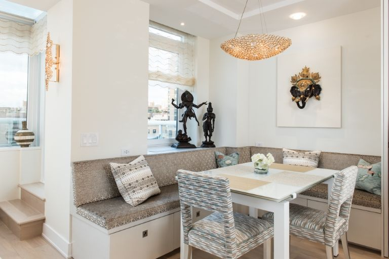neutral colors eternity Chandelier  neutral colors How to use Neutral Colors in your home by Elle Decor Nuetral colors by elle decor5