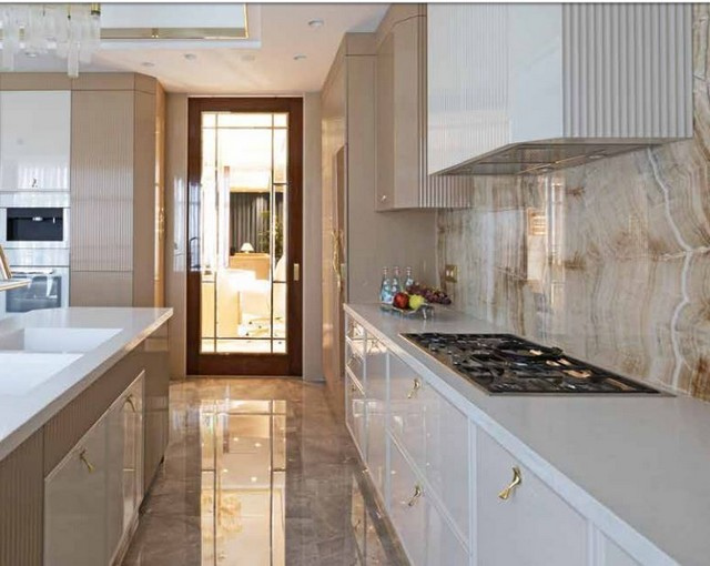 Luxury Kitchen With Even More Luxurious, Upscale Kitchen Cabinet Handles